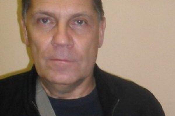 Jozef Kardoheli na lavičke MHK Humenné.