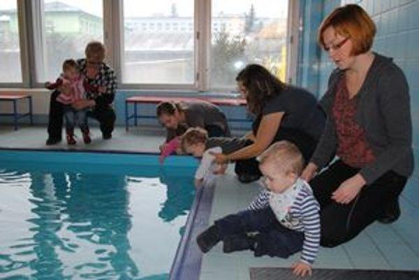 Humenský bazén majú deti počas určitých hodín zdarma.