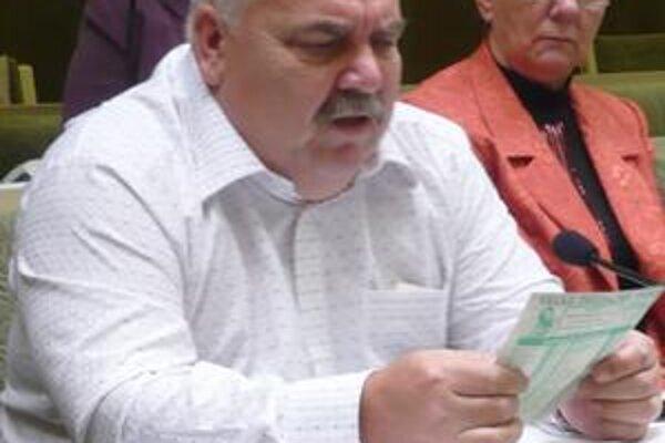 Andrej Semanco. K jeho návrhu na kontrolu nakladania s peniazmi mesta v 1. HFC sa pridalo až 21 poslancov.