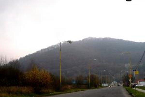 Humenský Sokol. Vzácne územie majú Humenčania v blízkosti Sídliska pod Sokolejom.