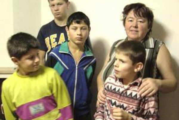 Súrodenci. Magdaléna Vitkovičová by chlapcov, ktorým je profesionálnou mamou, nikdy nedovolila rozdeliť.