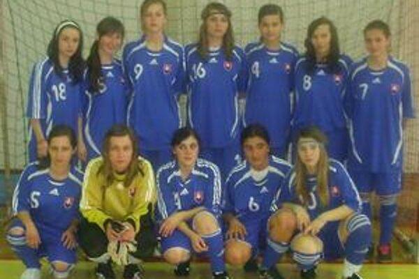 Reprezentovali: Fencáková - Petriková, Mirilovičová, Biľanska, Olexiková, Palenčiková, Sotaková, Greškovičová, Chovancová, Varcholová, Ferjová, Hajdučková.