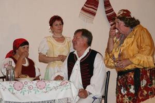 Folklórna skupina Dupna. Tento rok sa zamerala na zvykoslovia.