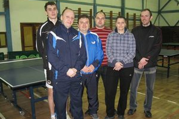Najlepší štvorkári. Zľava: Martin Gumáň, Peter Poľa, Marián Bajcura, Daniel Fink, Jana Mihaľovová a Imro Drábik.