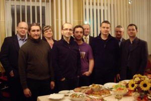 Kerygma prišla do Hankoviec na pozvanie farára Petra Kyšeľu. Svojou prítomnosťou ich povzbudili aj starostovia obcí ľubišskej farnosti.