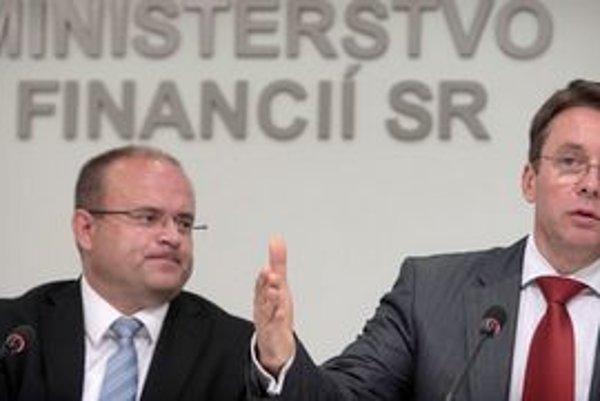 Minister práce Mihál a financií Mikloš.