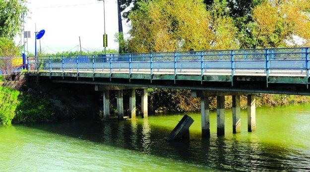 Mesto dá urobiť posudok aj na most vedúci do bývalej kafilérie, hoci mu nepatrí.