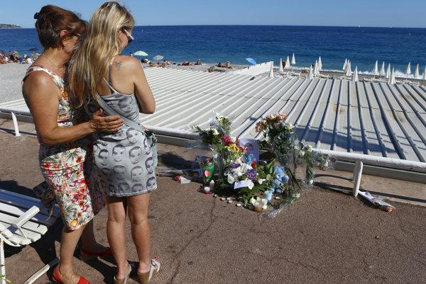 Útok sa odohral priamo na pobreží Stredozemného mora.
