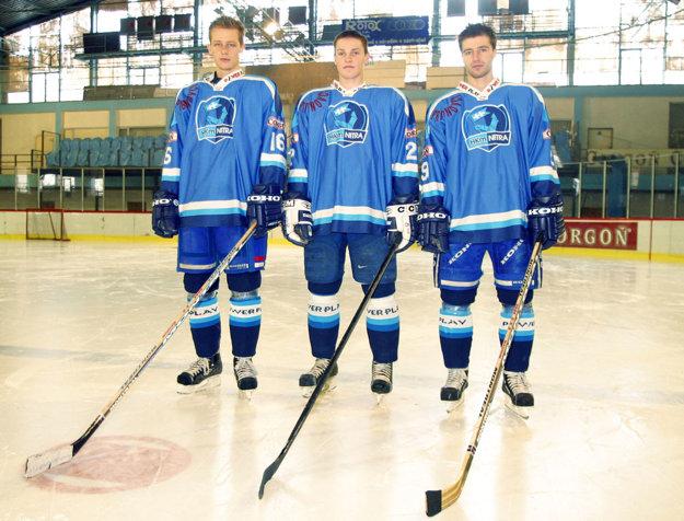 Trojica útočníkov v roku 2003 - zľava Matúš Chrenko, Štefan Ružička (vekom ešte junior) a Tomáš Chrenko.