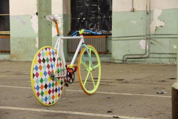 Bicykle sú jeho veľká záľuba. Venuje sa im už 15 rokov.