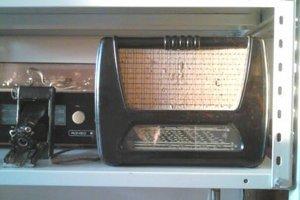 Rádio a fotoaparát z 50-tych rokov. Výstava sa rozrástla aj vďaka zberateľom.