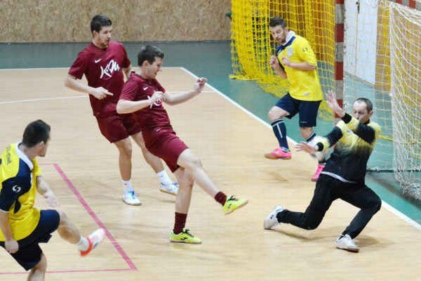 Mužstvo ŠK Senné ešte neprehralo. Na čele má náskok dvoch bodov pred BEEMSTEELom.