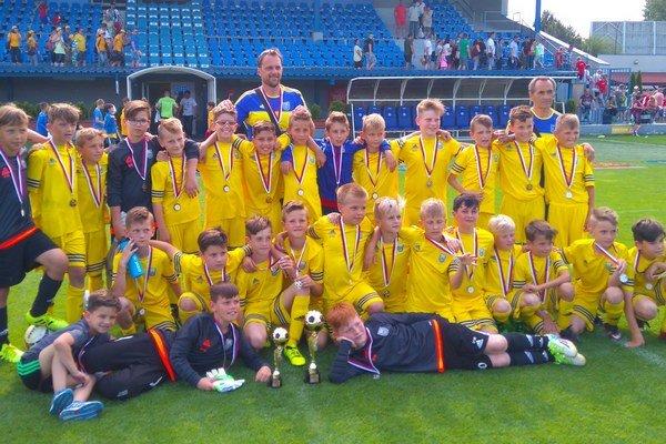 Na Záhorí sa malým Michalovčanom darilo. Na turnaji vSenici si družstvo U11 vybojovalo bronz, tím U10 skončil dokonca druhý.