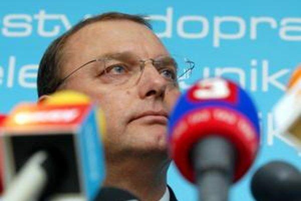 Ministerstvo Ľubomíra Vážneho dalo zarobiť spravodajskej TA3.