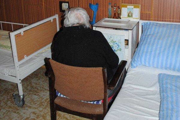 Dôchodcovia. Páchatelia zneužívajú ich dobrosrdečnosť.