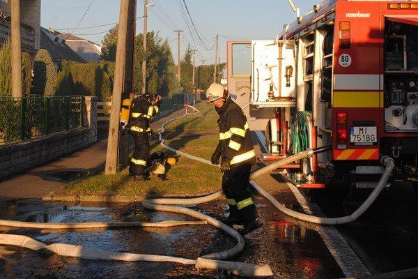 Požiare. Od začiatku roka likvidovali michalovskí hasiči až 12 požiarov rodinných domov, ktoré vznikli od komína alebo vykurovacieho telesa.