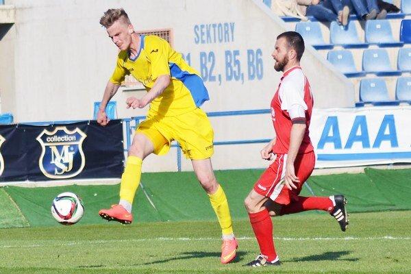 Rozhodol o michalovskej výhre. Jediný gól duelu v Seredi vsietil Michal Hamuľak (vpravo).