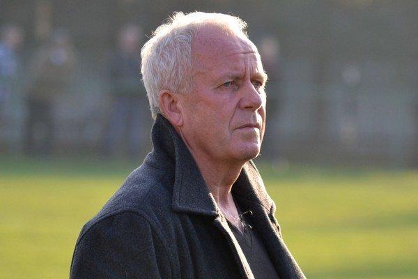 Tréner Jozef Štafura. Jeho zverenci sú už len krok od záchrany.