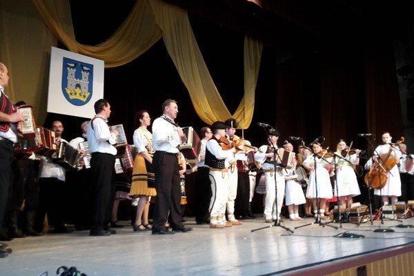 Zemplínska heligónka. Podujatie, na ktorom dominuje gombíkový akordeón sa teší veľkej popularite.