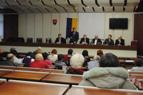 Verejné zhromaždenia. Michalovčania upozornili vedenie mesta na problémy, ktoré ich trápia.