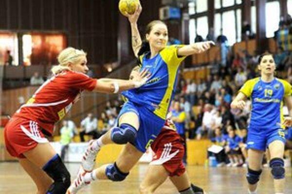 Doma bez konkurencie. V tabuľke WHIL spomedzi slovenských tímov skončili najvyššie, v play–off dominovali.