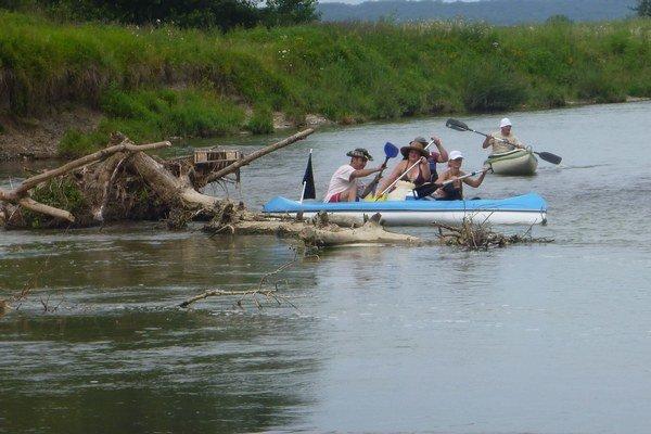Splavovanie zemplínskych riek. Vodáci sa plavili po rieke Laborec, Latorica a Bodrog. Za tri dni preplávali na lodiach 65 kilometrov.