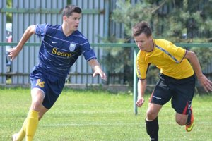 Útočník Martin Regáli (vľavo). Jedným gólom prispel k výhre 5:0 nad Sobrancami.