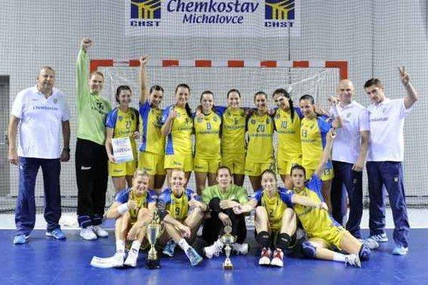 Domáca Iuventa Michalovce. Na turnaji dvakrát vyhrala a skončila tretia.