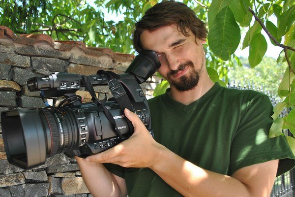 Náhoda? Práca na dokumente o obecných kinách ho vo Vojčiciach priviedla pred obraz už zabudnutej filmovej hviezdy.