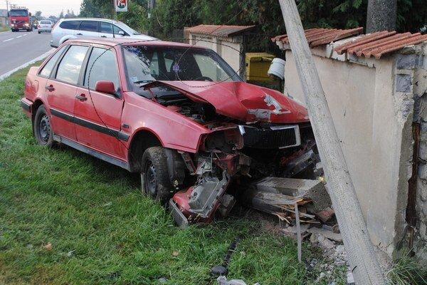 Nehody. V okresoch Michalovce a Sobrance došlo vlani k 291 dopravným nehodám. Až v 54 prípadoch si sadli za volant vodiči pod vplyvom alkoholu.