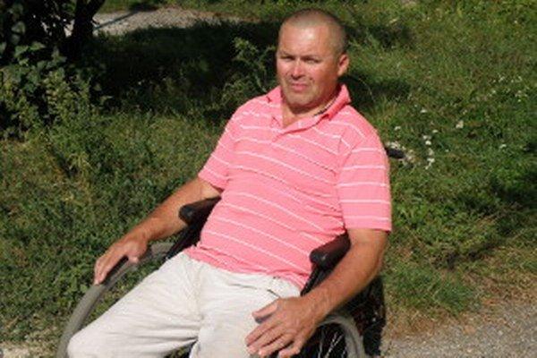 Pred dvomi rokmi sa Vojtech Švarc v nemocnici nedostal na toaletu.
