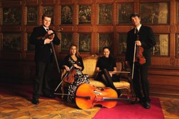 Sláčikové kvarteto Synequa.