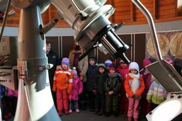 Prázdninový týždeň s vesmírom. Deti sa môžu tešiť súťaže, kvízy, hry a prednášky.