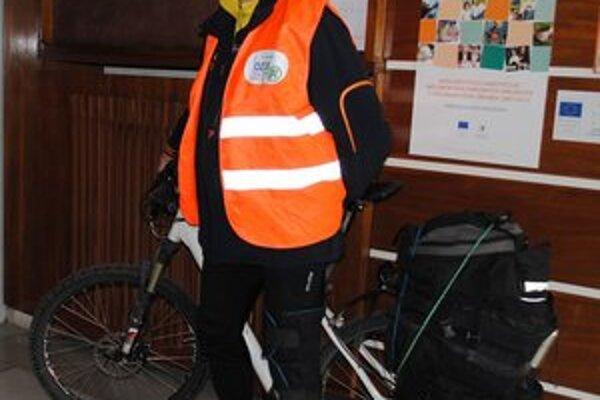 Alan Bujdák. Jazdí na bicykli, aby pomohol onkologickým pacientom.