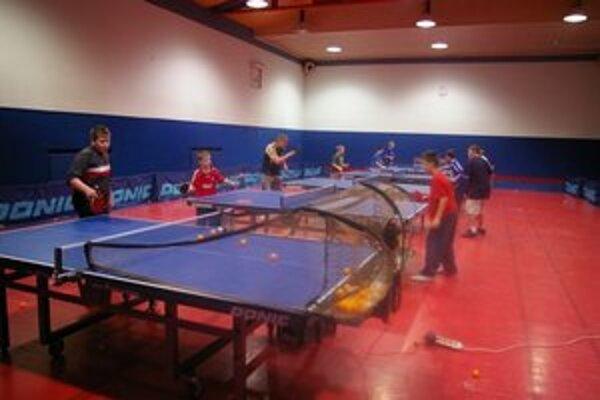 Deťom sa venujú skúsení tréneri. Tí v minulosti pôsobili v popredných slovenských tímoch.