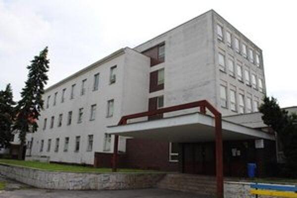 Michalovská onkológia. Liečia sa tu stovky pacientov trpiacich rakovinou z piatich okresov Zemplína.