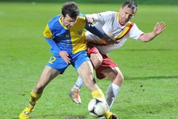 Ani Marek Mihok nezabránil vypadnutiu. Nastúpil netradične na poste ľavého obrancu.