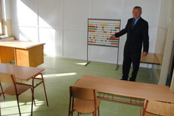 Od štátu chcú školu. Základná škola sa zrútila v Nacinej Vsi pred dvomi rokmi. Starosta Anton Šandor hovorí, že bez pomoci štátu školu nepostavia.