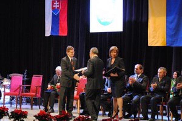 Ocenení. Ocenení boli jednotlivci, kolektívy i inštitúcie zo športového, umeleckého, kultúrneho a pedagogického života.