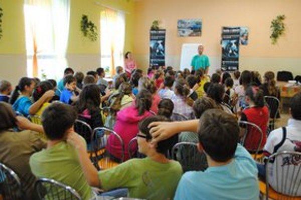 Zlúčenie Strediska služieb škole a Služieb mesta Michalovce schválili mestskí poslanci.