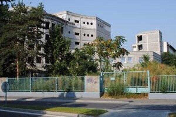 Rozostavaný pavilón michalovskej nemocnice.