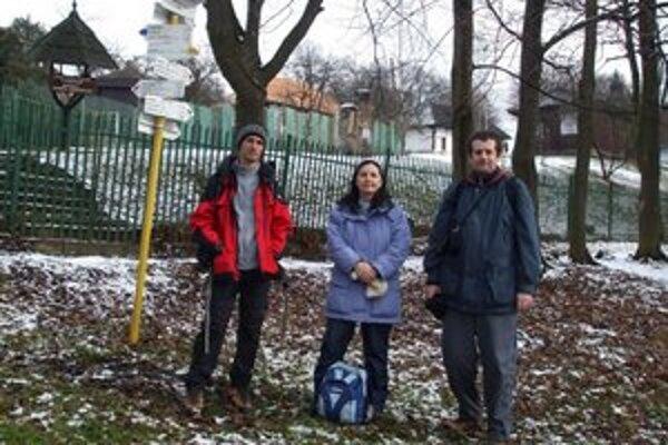 Turisti v Humennom. Michalovskí turisti navštívili lokalitu Hubková pri Humennom.