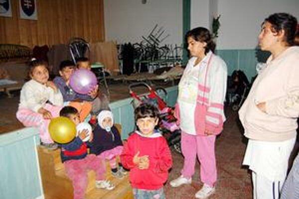 Dozvuky v Markovciach. V kultúrnom dome bola stovka evakuantov takmer mesiac. Obec ho po ich návrate domov musela dať do poriadku. A zaplatiť to z vlastnej kasy.