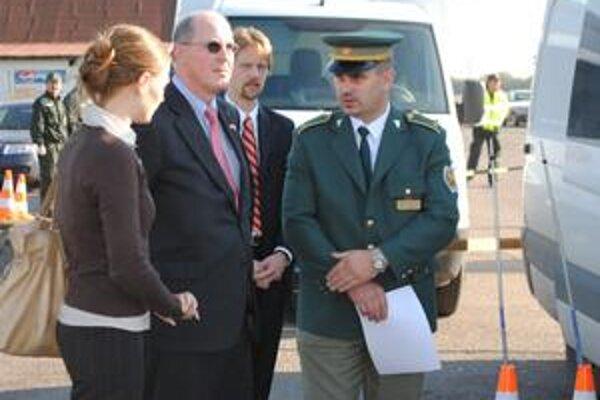 Veľvyslanec USA na hranici. Theodor Sedgwick si prezrel zabezpečenie schengenskej hranice.