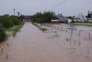 Malčickú časť Hradištská Moľva postihli júnové katastrofálne povodne. Následky odstraňujú dodnes.