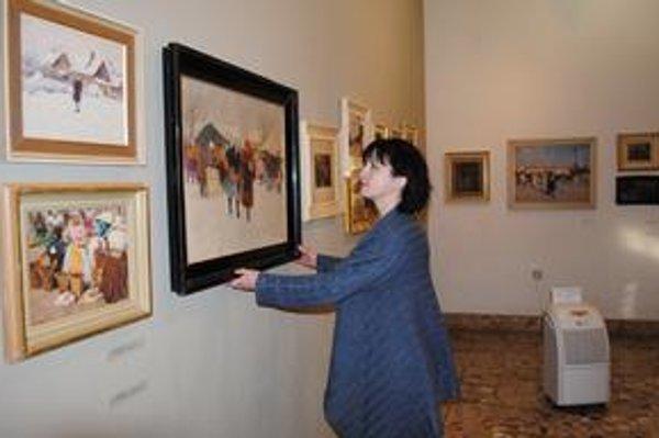 Odvlhčovače. Jeden umiestnili v galérii, aby sa nepoškodili vzácne Moussonove obrazy.