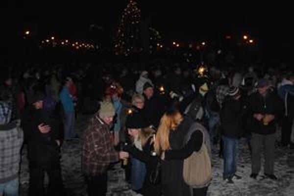 Silvester. V centre Michaloviec sa zabávalo vyše 3-tisíc ľudí.