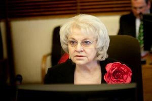 Na obhajobu sociálnych podnikov má ministerka práce Viera Tomanová dva mesiace.