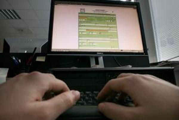 Elektronický formulár Daňového riaditeľstva na priznanie dane je testom trpezlivosti ľudí.