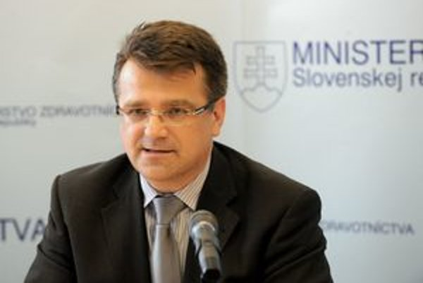 Minister Ivan Uhliarik dospel v prípade sninskej nemocnice ku kompromisu.
